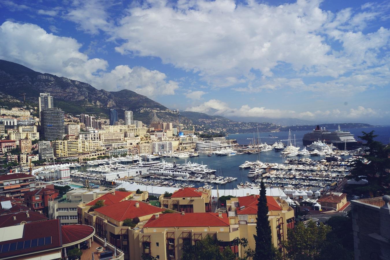 Cunard QV in Monte Carlo Monacco port