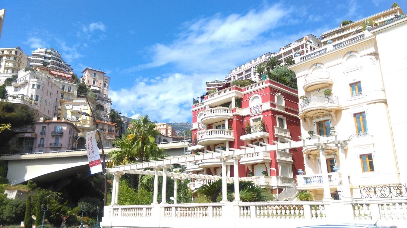 Monte Carlo views town