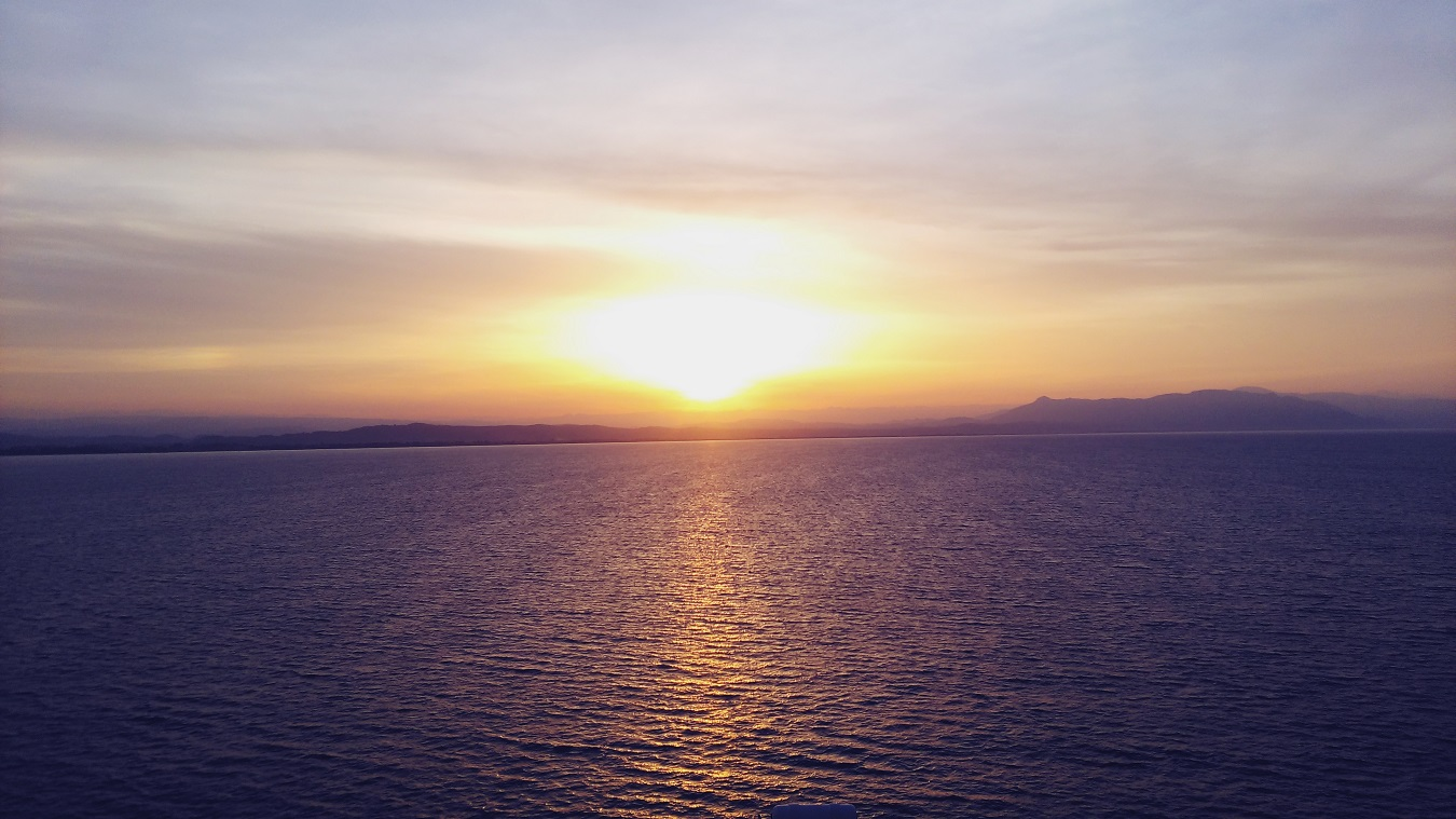 sunset santorini cruise cunard queen victoria on the sea greece