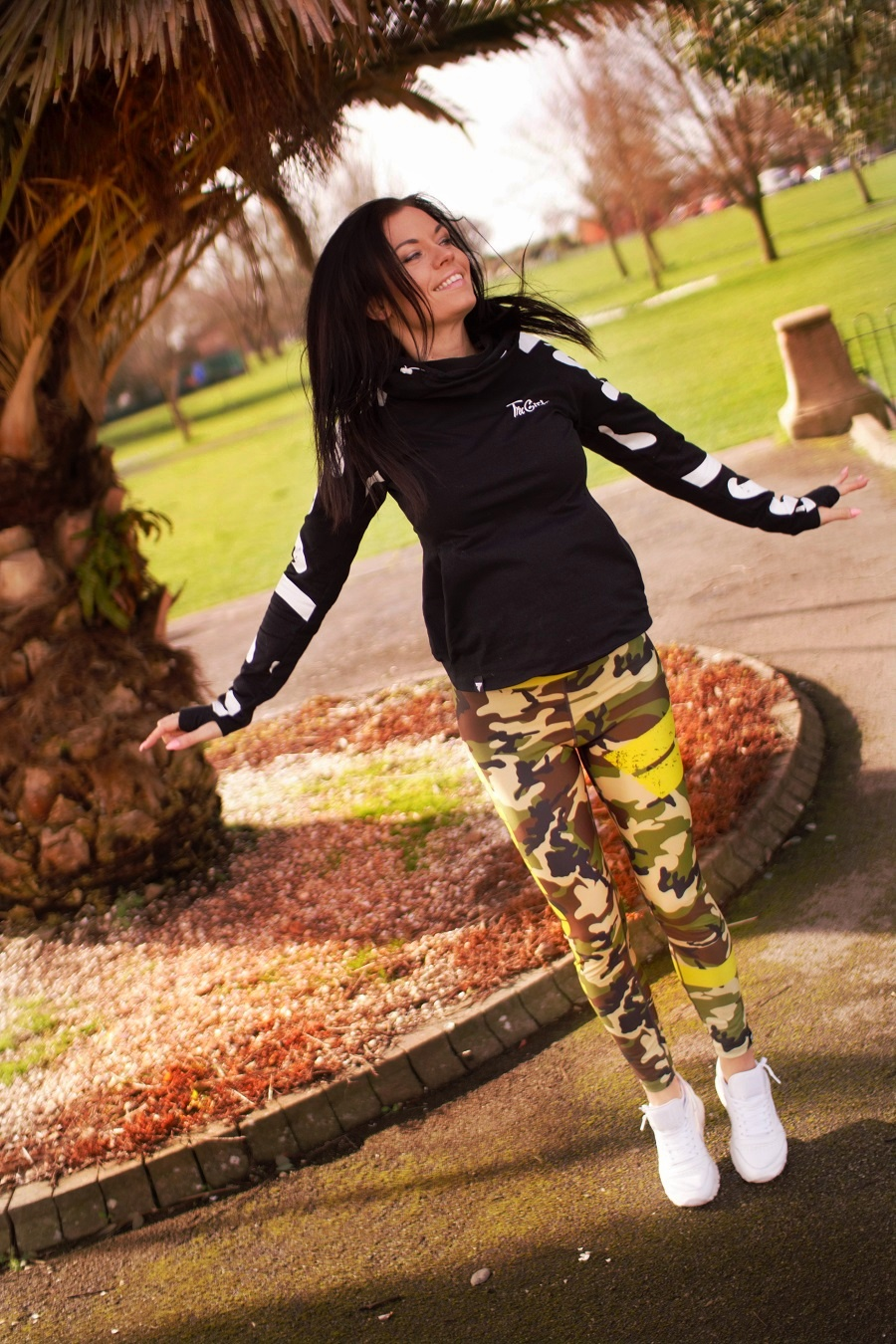 summer belucce fitness fashion activewear palm tree