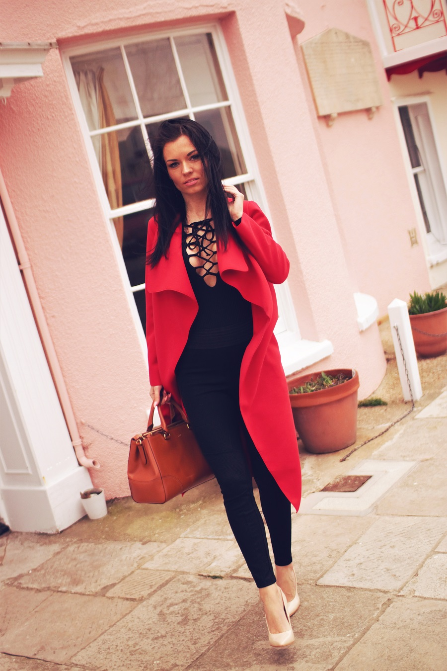 belucce england london red coat fashion