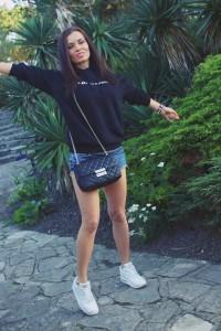 happy girl fashion blogger london