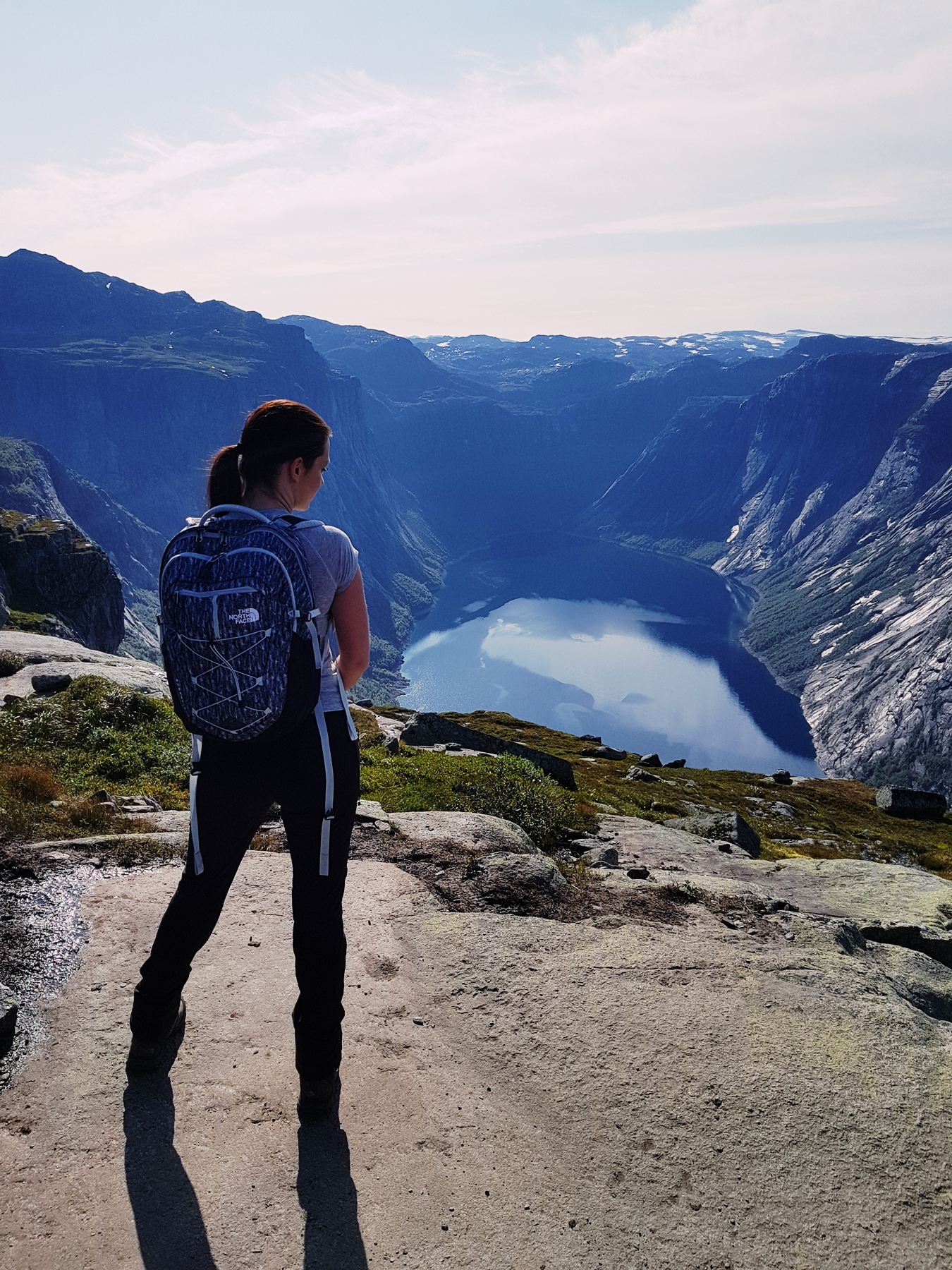 norway hike trolltunga
