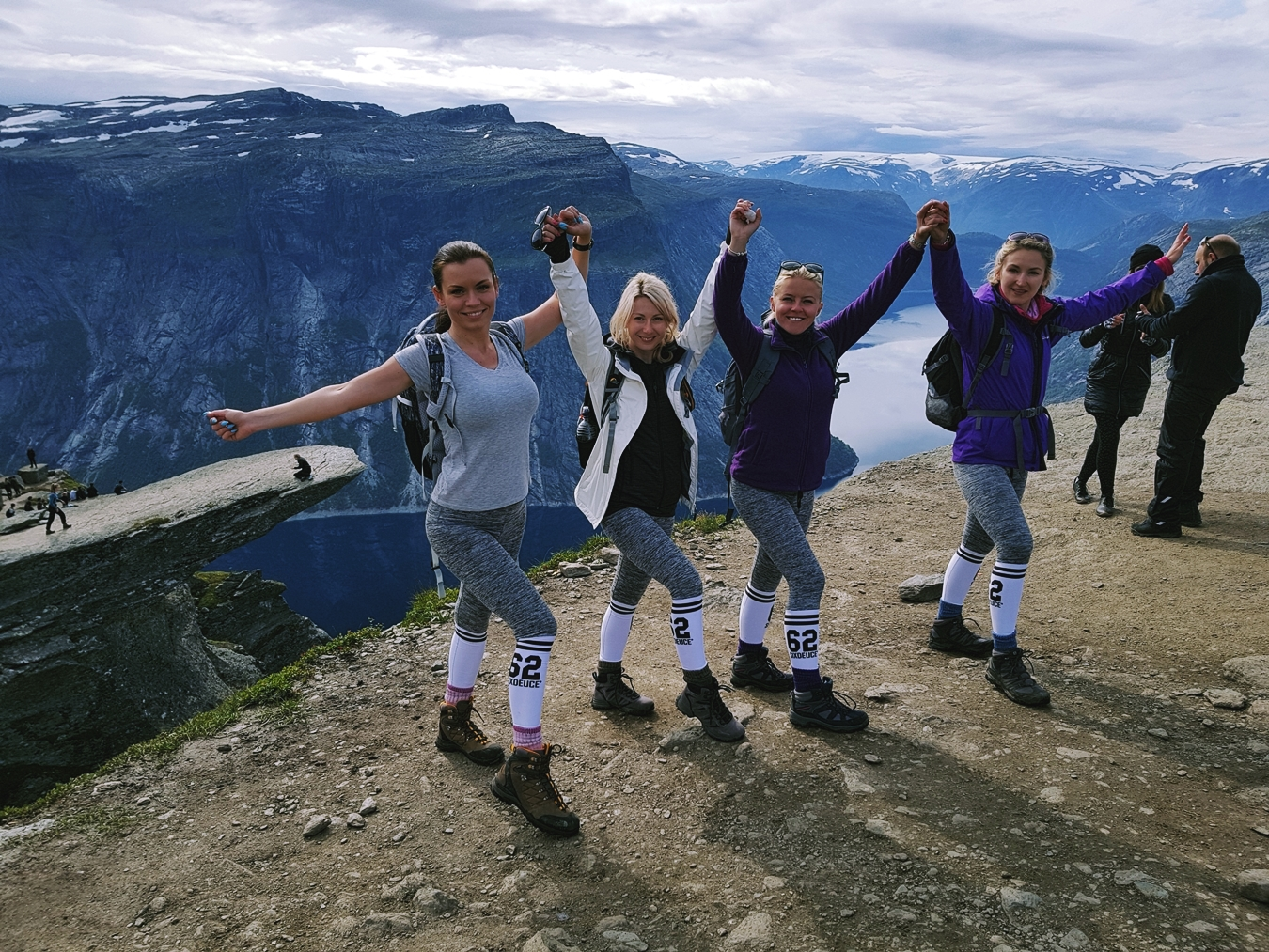 norway hike trolltunga 3