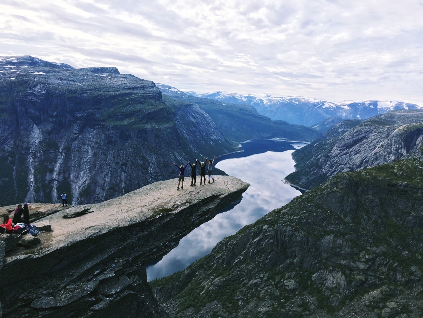 norway trolltunga hike
