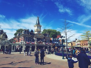 disneyland paris buildings