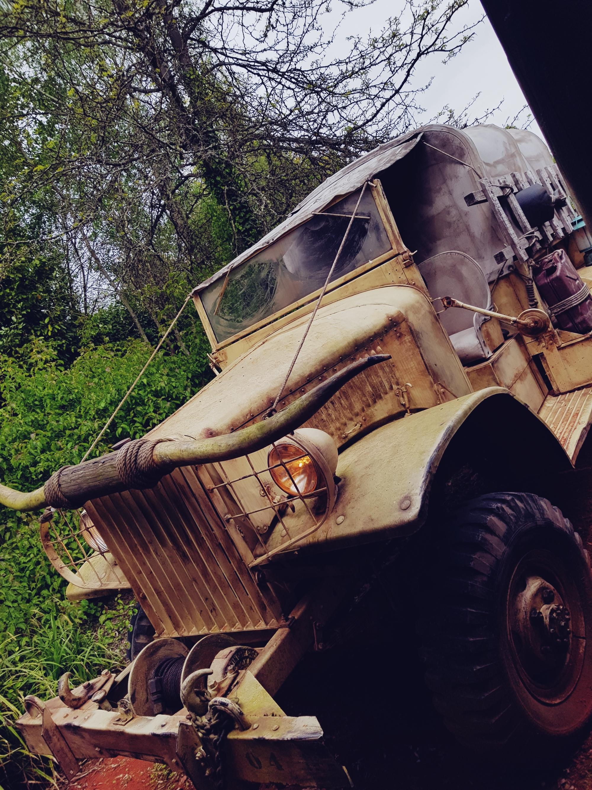 disneyland paris indiana jones car