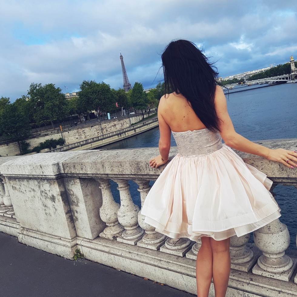 Paris girl on the bridge