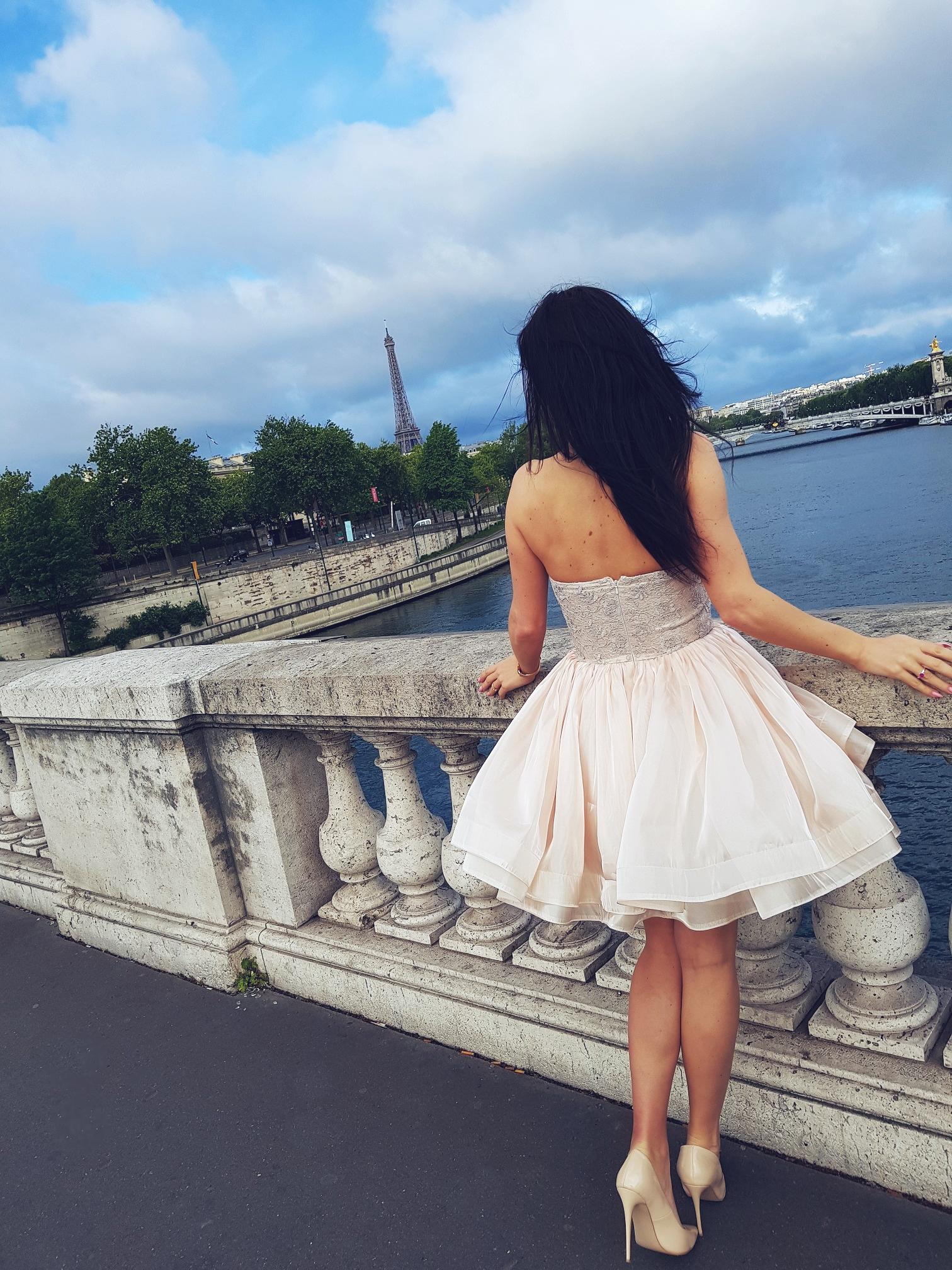 Paris girl on the bridge